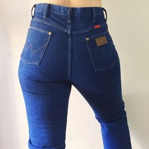 Vintage High Waisted Wrangler Blue Jeans